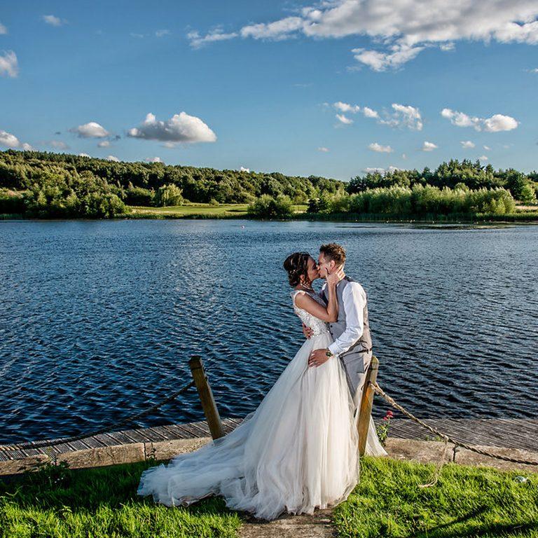 hannah-steve-waterton-park-wedding